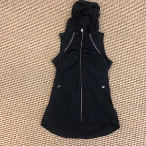 Lululemon active vest women's size 2 black